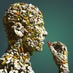 規制すべきは多剤投薬か?ポリファーマシーの問題は過度な専門外来の複数受診が原因!