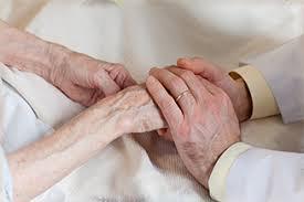 外来での緩和ケア、在宅での緩和ケア、どっちが患者さんにいいのかは都度考えています。