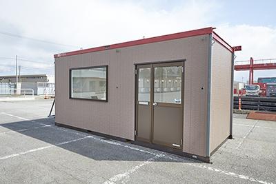 冬季発熱外来にむけて駐車場に仮設ハウスを置くこととしました。