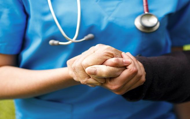 病院の医療スタッフと患者さんの家族とのコミュニケーション、各病院の差が明確になってきていますね・・・