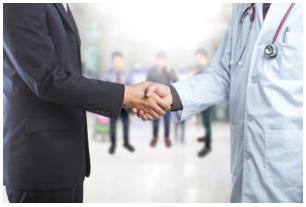 医療機関経営の実務は医者にはできない。けれどトップはやはり医師がやるべきだと思っています。